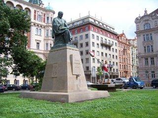 alois_jirasek_pomnik