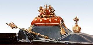 Korunovační klenoty - žezlo, koruna a jablko