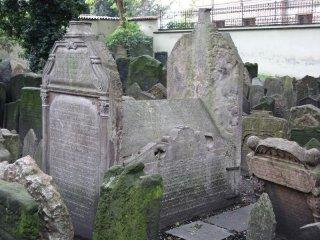 Tumba s ostatky Mordechaje Maisela