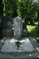 Hrob Franze Kafky na Novém židovském hřbitově