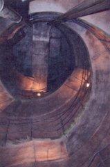 Podzemní kryt Bezovka - šachta s dvojitým schodištěm
