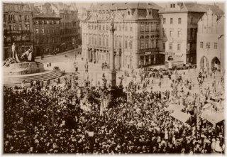 Praha 1 - Staroměstské náměstí stržení Mariánského sloupu
