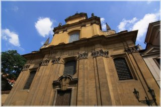 Praha 1 - Nerudova ulice - kostel Panny Marie Ustavičné Pomoci a Svatého Kajetána