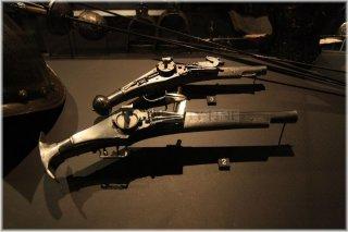 Praha 1 - Schwarzenberský palác - Výstava Císařská zbrojnice - celo-železná pistole