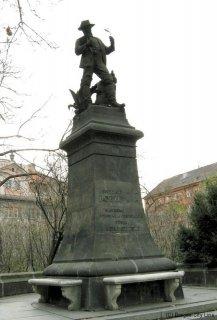 Praha 2 - Karlovo náměstí, pomník Benedikta Roezla