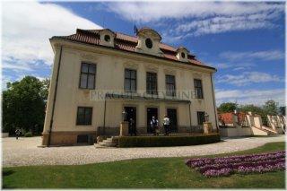 Kramářova vila - dnes sídlo předsedy vlády