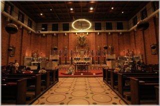 PrahPraha 3 - Kostel Nejsvětějšího Srdce Páně - interiér