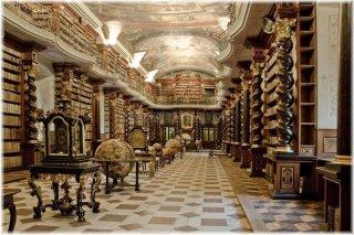 Klementinum - Barokní knihovní sál(foto: Eva Hodíková)