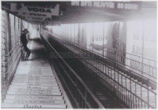 Praha 7 - Letná - fotografie pohyblivého schodiště na Letnou