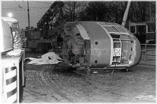 Pha7 - Letná - nehoda tramvaje 26 (převzato z internetových stránek http://letenskaplan.webgarden.cz)