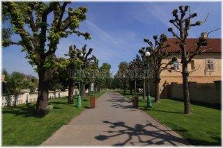 Královská zahrada Pražského hradu - vstup od Prašného mostu