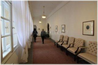 Poslanecké sněmovna - chodba sněmovny