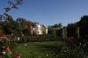 Petřín - zahrady  a v pozadí hvězdárna