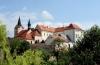 Chvalský zámek (také Chvalská tvrz) - Praha 9 – Horní Počernice