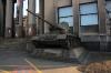 Vojenské muzeum - tank před vchodem do muzea