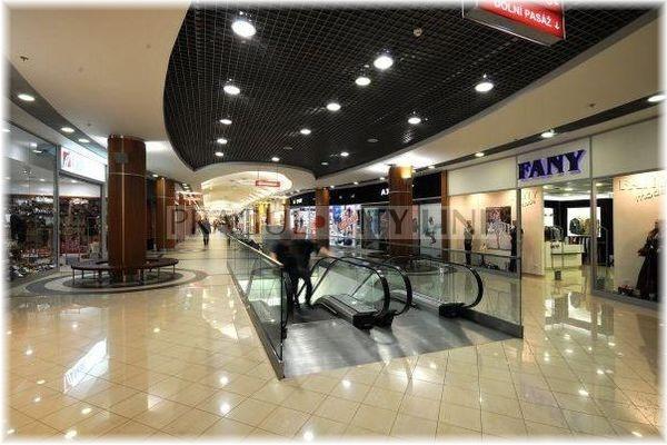 88e28f3216b2 Galerie Fénix Vysočanská - Obchodní centrum