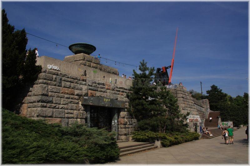 c5908355fa8 Stalinův pomník