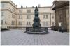Křižovnické náměstí a socha Karla IV.