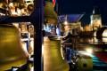 Zvonohra na lodi u Karlova Mostu