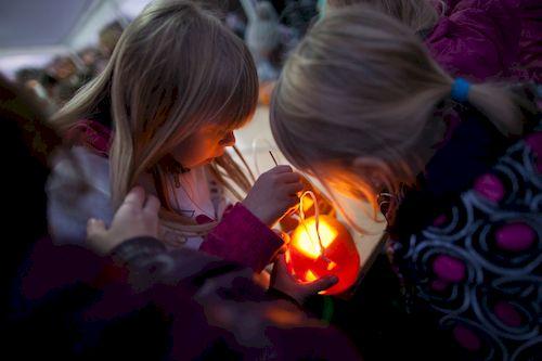 Halloween v botanické zahradě_male