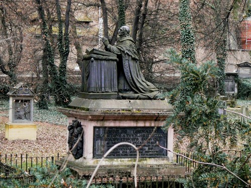 Leopold_Leonhard_Raymund_Thun-Hohenstein-tombstone