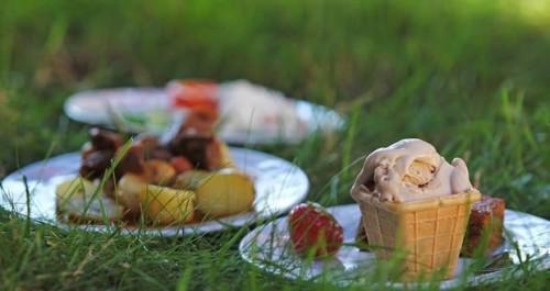 2077745-img-jidlo-food-food-festival-food-parade-v0