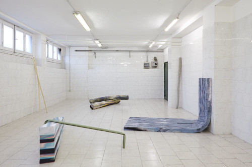 01_TileProjectSpace_à-terre-en-l'air_-Sara-Enrico_installation-view_courtesy-TileProjectSpace_Photo-credits-Floriana-Giacinti