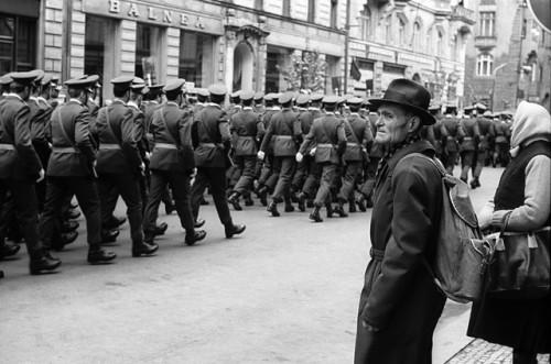 Z-cyklu-Vojenská-přísaha-v-centru-hlavního-města-Praha-říjen-1981-©-Josef-Chuchma